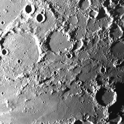 La Lune : photo de la région du cratère Mouchez