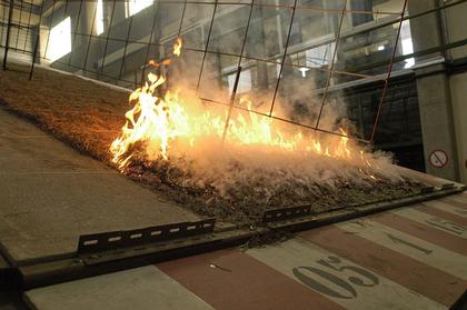 Dispositif expérimental permettant de pour mieux comprendre le comportement des feux de forêt