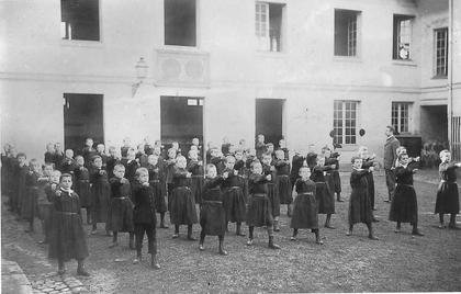 Une classe de garçons au XIXe siècle - illustration 1