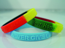 Bracelets with thermo-embedded letters